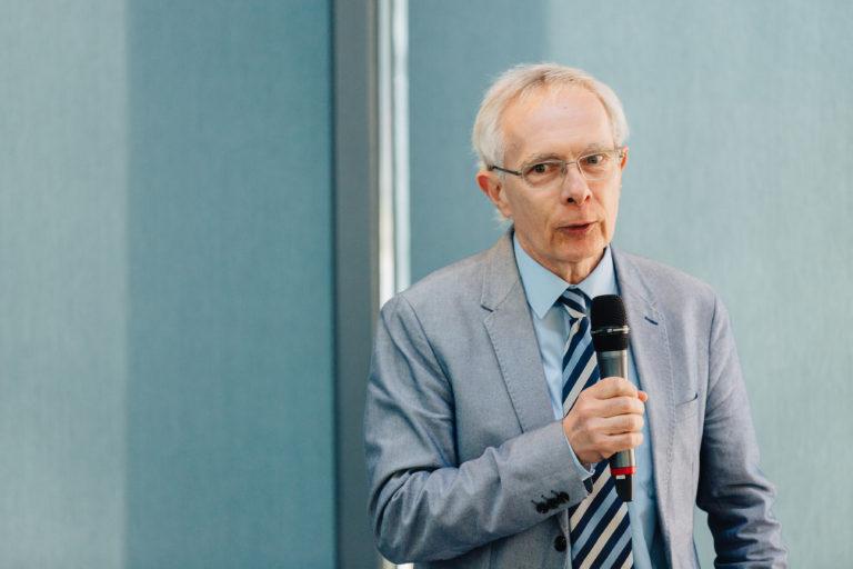 """""""Azokat kell segíteni, akik újraindítják a gazdaságot"""" – interjú Bod Péter Ákossal"""